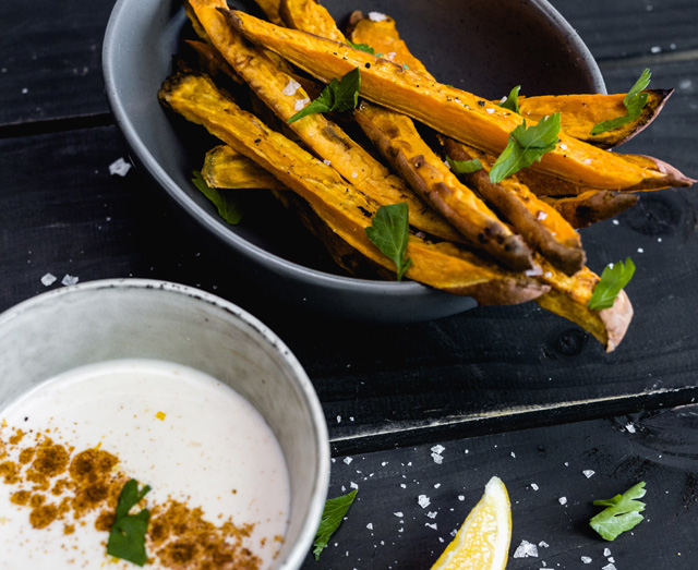 Sweet Potato Chips with Spicy Probiotic Aioli
